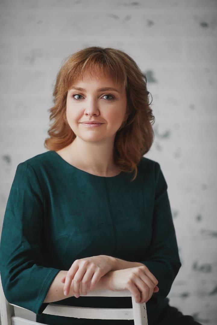 Алекрицкая Виктория Викторовна, Преподаватель английского и немецкого языков, логопед