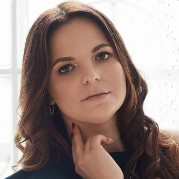 Павлова Ксения Сергеевна, Преподаватель английского и французского языков