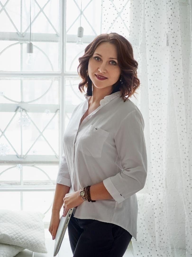 Сова Анна Александровна, Преподаватель английского языка